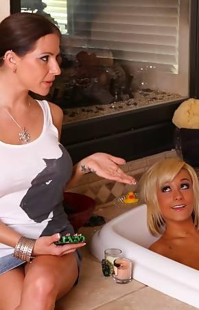 lesbo massage pics