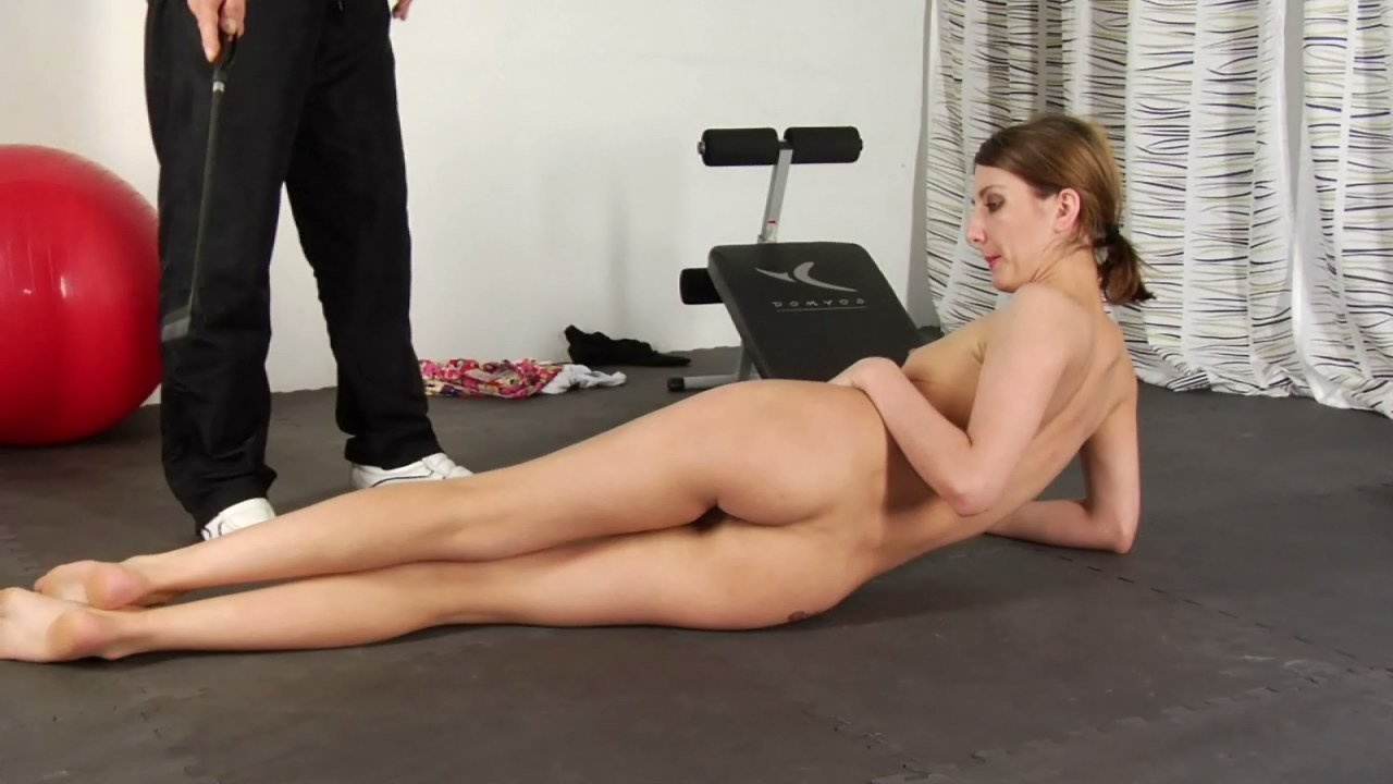 Nude exercise freepik